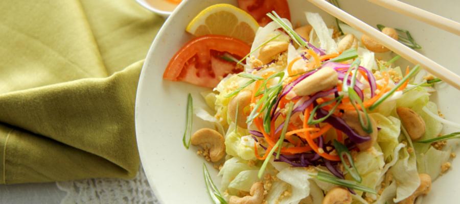 Salade aux noix d'acajou